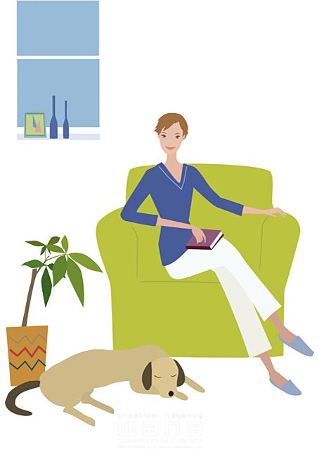イラスト&写真のストックフォトwaha(ワーハ) 人物、女性、室内、リビング、ソファ、座る、ペット、犬、植物 海野 富子 17-0149b