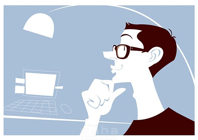 イラスト&写真のストックフォトwaha(ワーハ) 人、外国人、男性、大人、笑顔、メガネ、パソコン、IT、コミュニケーション、通信、考える、ホームオフィス、書斎、デスク、照明、インテリア、仕事、ビジネス、知的、インテリ b-t 19-2453c
