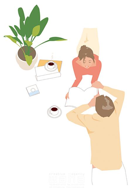 イラスト&写真のストックフォトwaha(ワーハ) 人、人々、女性、男性、大人、家族、夫婦、カップル、お父さん、お母さん、奥さん、家、住宅、部屋、室内、リビング、憩い、安らぎ、リラックス、笑顔、コーヒー、本、読書、寝そべる、話す、会話、コミュニケーション、観葉植物、生活、日常、暮らし 都筑 みなみ 19-2505cv