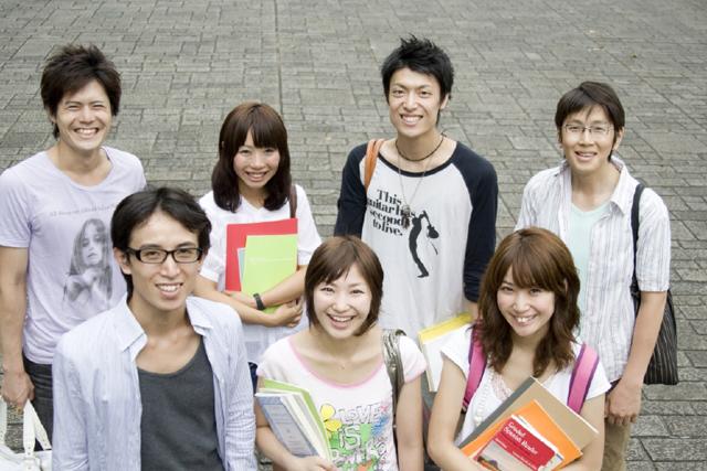 人物、日本人、グループ、集合、仲間、友達、若者、学生、大学生、10代、20代、屋外、笑顔、正面、上半身、笑顔、笑い、笑う、スマイル - フォト作品紹介 | イラスト&写真のストックフォトwaha(ワーハ)―カンプデータは無料